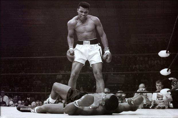 Ali noquea a Sonny Liston